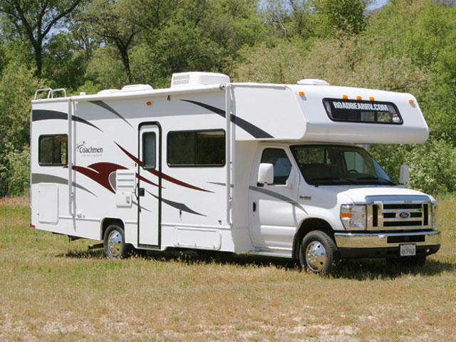 24 FT Class C Motorhome http://www.mydriveholiday.com/usa/vehicle/road-bear-international/rbi-26-28-ft-class-c