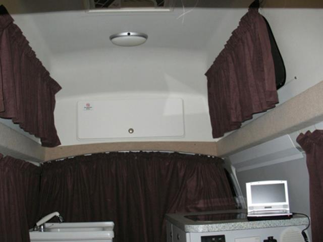 2 Berth HiaceExt6