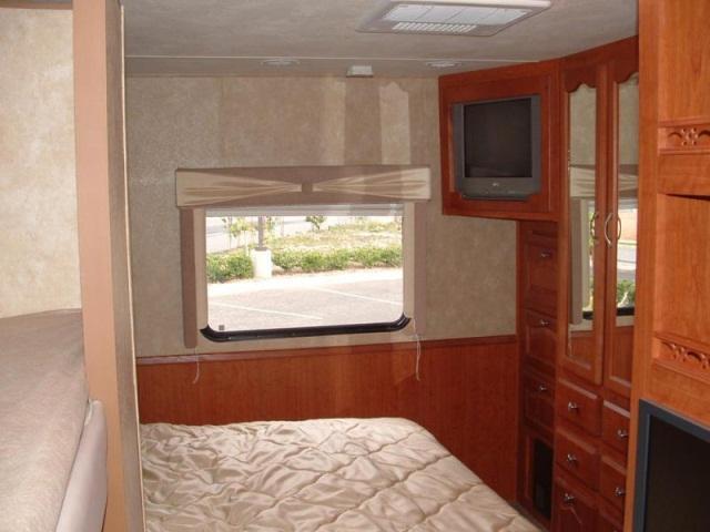 0735GEORGETOWN Interior View 4